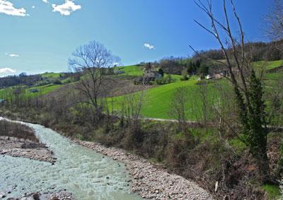 Castello Medioevale Di Montechino A 35 Chilometri Da Piacenza In Vendita Perfettamente